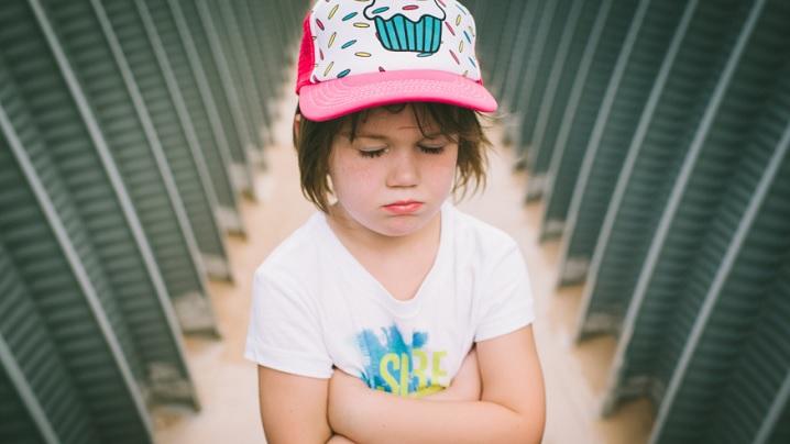 Cum să calmezi izbucnirile copilului tău cu o singură întrebare