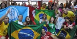 """Papa atrage mai multe persoane decât fotbalul. Situaţia """"suporterilor"""" din Biserica braziliană"""