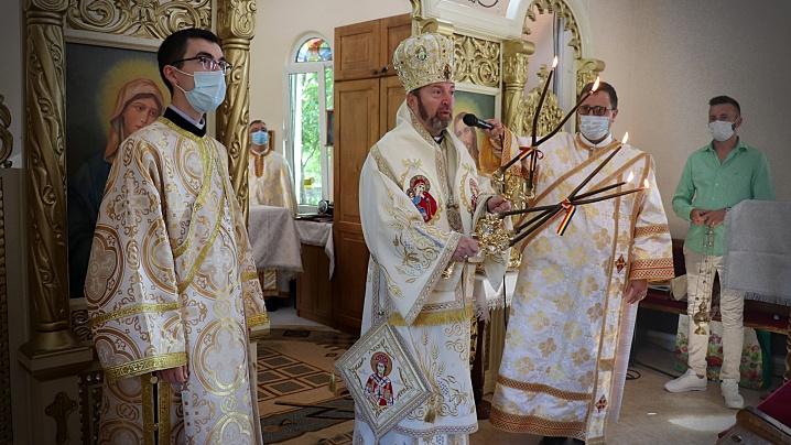 """Liturghie Arhierească în Parohia """"Sfântul Profet Ilie Tesviteanul"""" din Cluj-Napoca"""